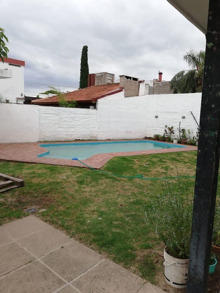 Casa en Arguello Córdoba, amoblada con Pileta