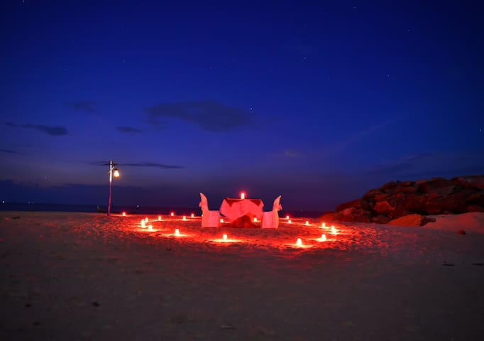 a romantic beach dinner and stay at marari edens