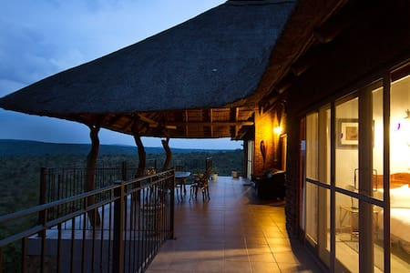 Mabalingwe Reserve - Uzuri Private Game Lodge - Bela-Bela - Luontohotelli
