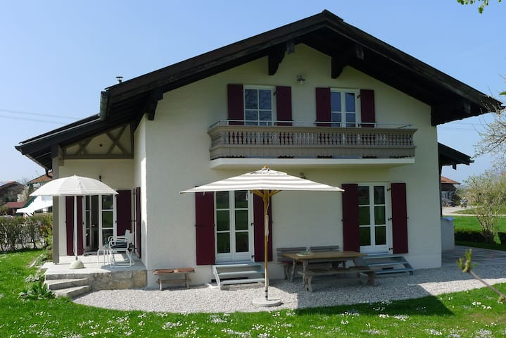 Freistehendes Ferienhaus- wenige Minuten zum See - Übersee - House
