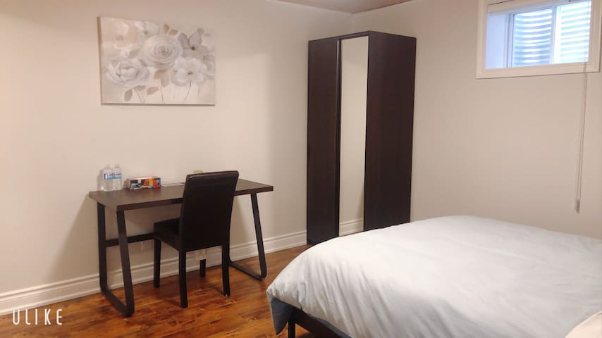 Beautiful&comfy clean br with ensuite bathroom