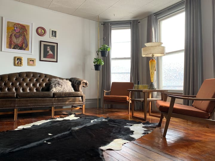 Eclectic Buffalo Home, 15 Mins from Everything