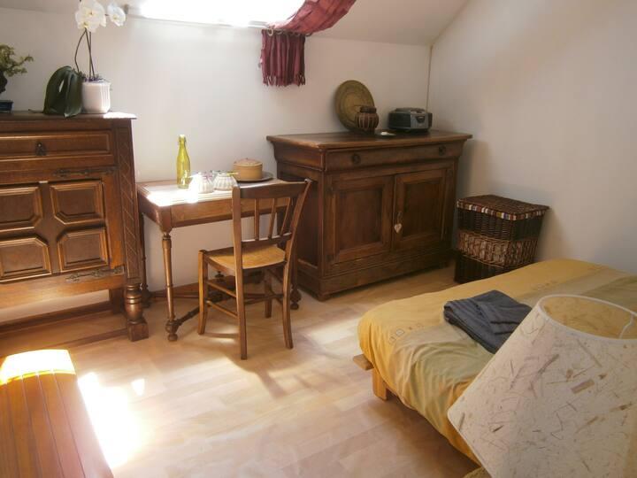 Chambre dans maison d'habitation