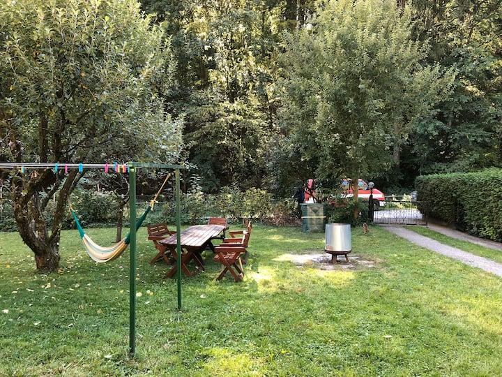 A garden house in the city 25minutes to Hauptplatz