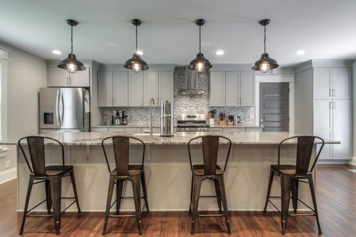 Modern Style Ranch Home in Nashville