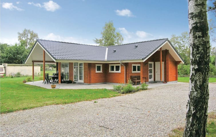 Holiday cottage with 3 bedrooms on 118m² in Glesborg
