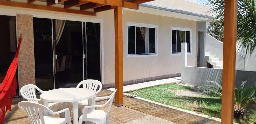 Linda Casa 2 dormitórios na Praia de Mariscal