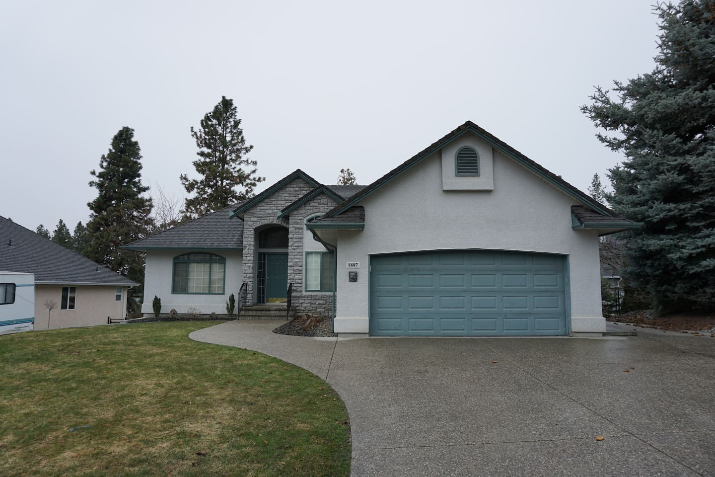 Walkout bungalow with ample parking