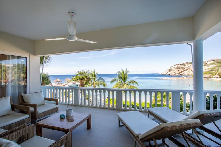 New! Beachfront apartment with 3 bedrooms