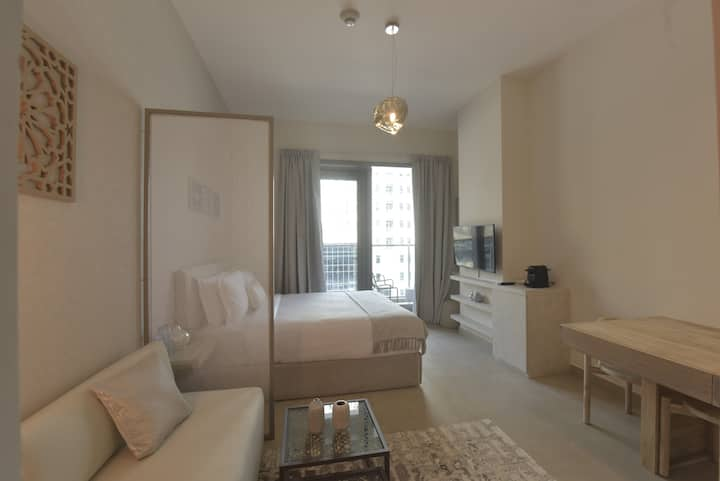 Luxury Studio Dubai Marina Swarovski inspired twr