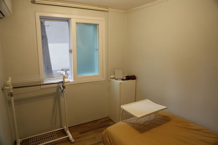 1) Cheap, Clean, Cozy for one person - Mapo-gu - Apartment