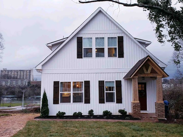 Knoxville River View Home