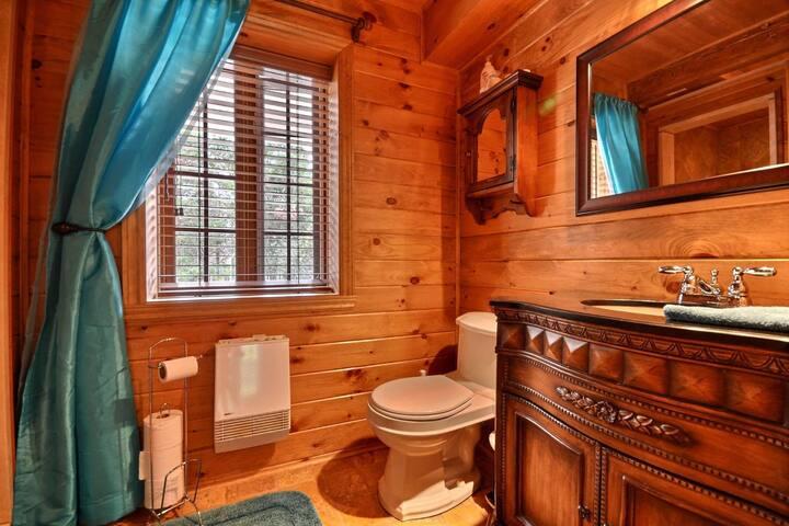 Chambre de bain avec douche - espace partagé