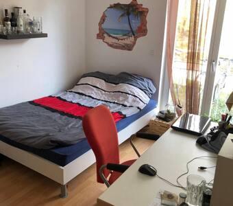 Schönes Zimmer in einer ruhigen Gegend