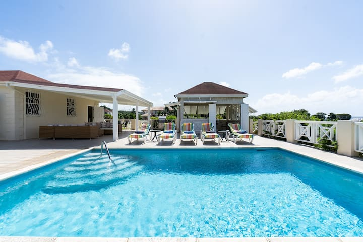 ✈ NEW! 3Bdrm Family Home-West Coast-Sea View-Pools