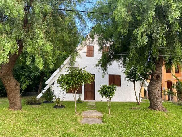 Casa a una cuadra y media de Playa Grande