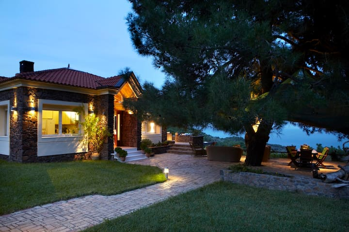 Luxury Villa overlooking the Aegean - Agrilia Kratigou - Villa