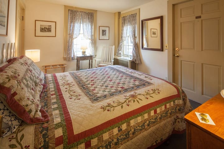 Brimblecomb Hill Bed & Breakfast
