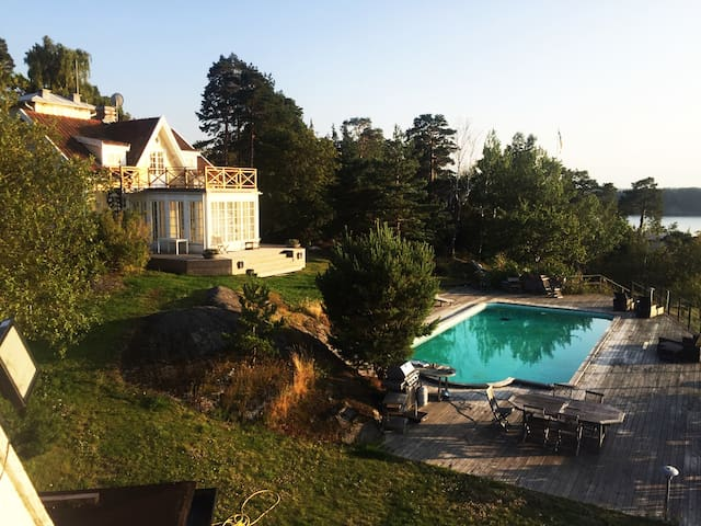 Wonderful villa, Stockholm's best views and pool!