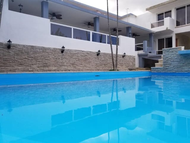Other view of the pool