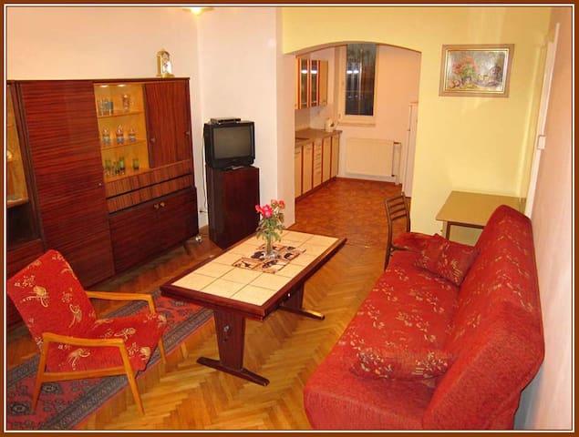 Báječný domov, Cosy Home. Apartma B - Tábor - Casa