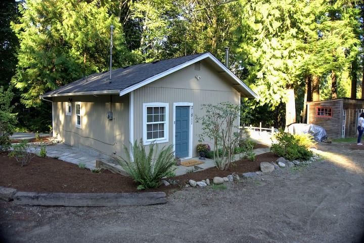 Cozy Woodinville Guest House | 1bd + 1ba