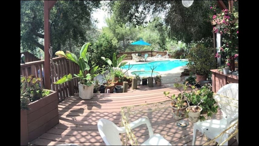 *Canyon home Rose Bowl JPL location - Altadena - Hus