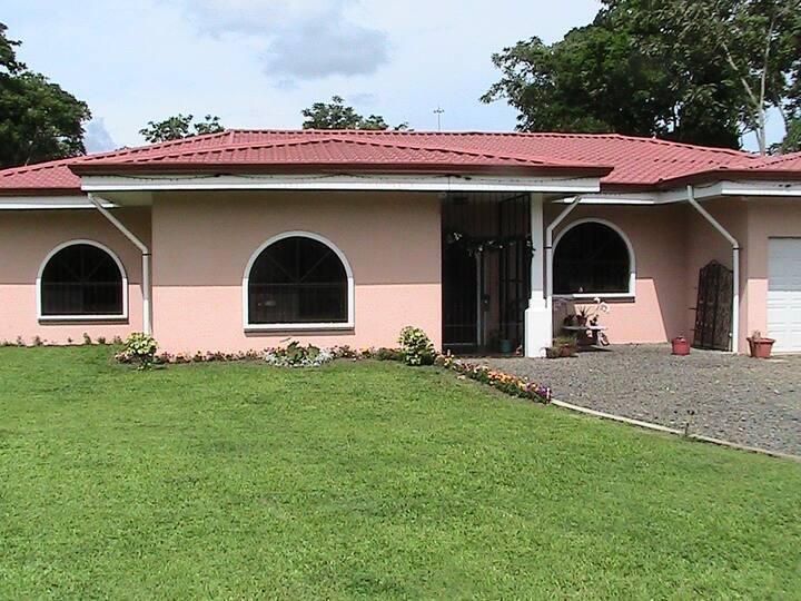 Casa Del Norte Country Elegance 3