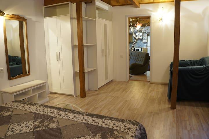 """Комната """"Дачная"""" с выходом на уютный собственный дворик / патио"""