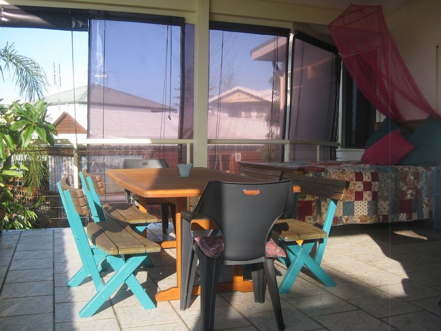Large Deck, including Bar, BBQ, sun lounge & day bed
