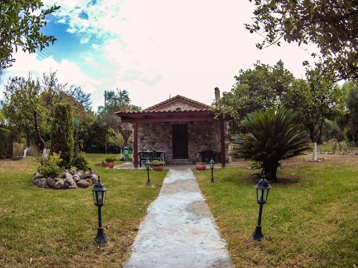 Πέτρινο σπίτι με τζάκι | Stonehouse with fireplace