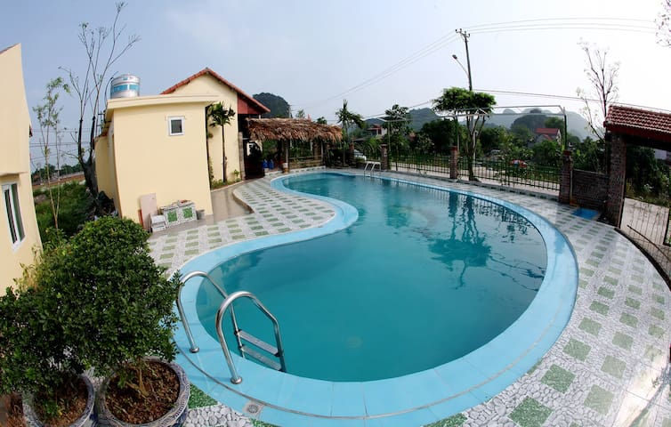 Tam Coc Dormitory Room with swimming pool