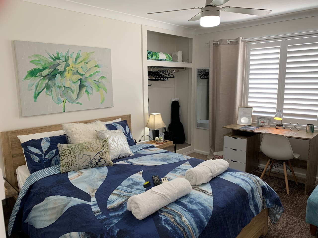 Queen size bed, air con, ceiling fan comfort on the second level of the home
