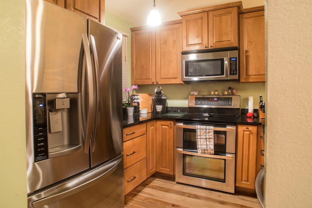 Fully upgraded kitchen on main floor