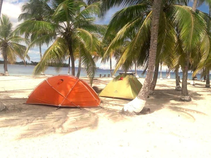 Camping in San Blas including food and transport