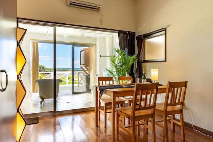 ホテルホームランドE室 オーシャンビューの絶景でプライベートビーチのある南国プチリゾートスタイル