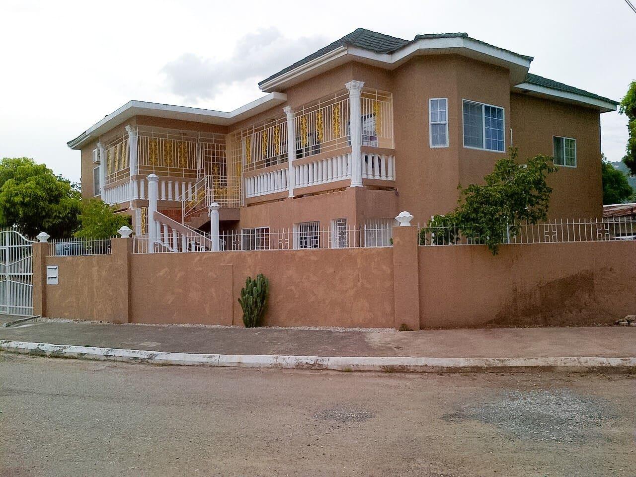 Jamaica Kingston - Favorita Place - Houses for Rent in Kingston ...