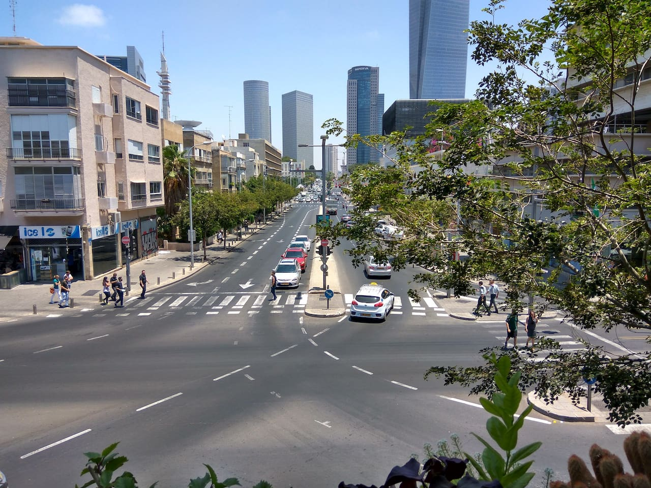 TEL AVIV CENTER (view from the window)