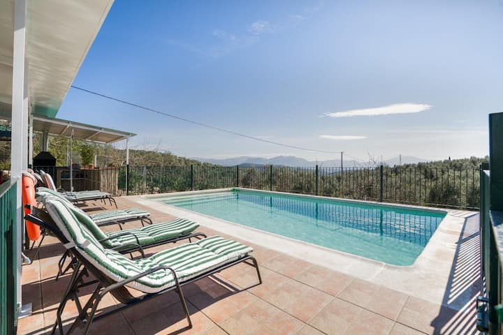 Villa with 5 bedrooms in Archidona, with wonderful mountain view, private pool and enclosed garden
