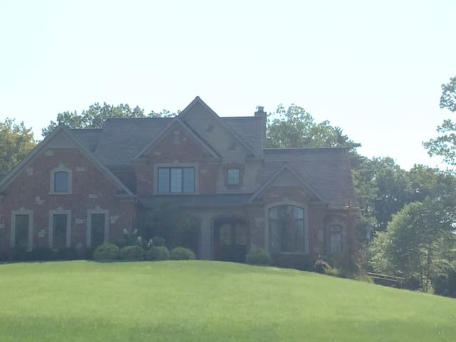 Creve Coeur House 1/2 Mile From Bellerive for PGA