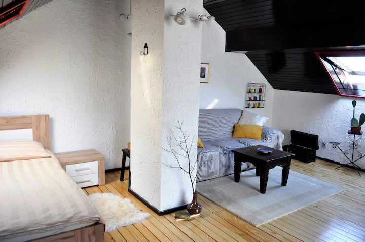 Double room, walking distance from centre