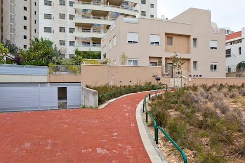 2 - beautiful suite in GIVAT SHMUEL
