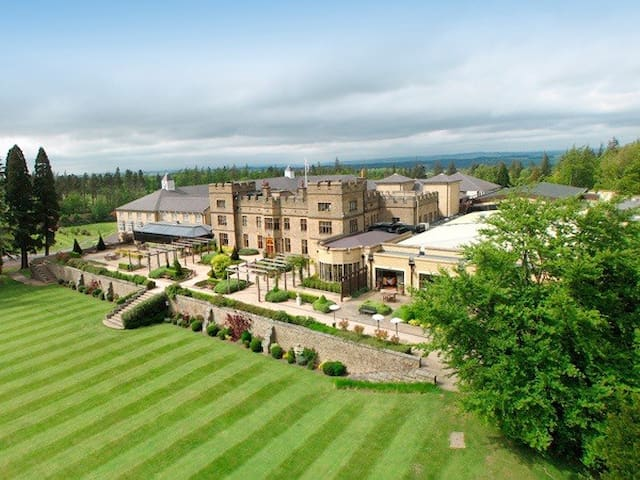 Luxury Lodge Slaley Hall sleeps 8 - Northumberland  - Hus