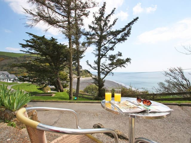SEA BREEZE, pet friendly in Looe, Ref 959455