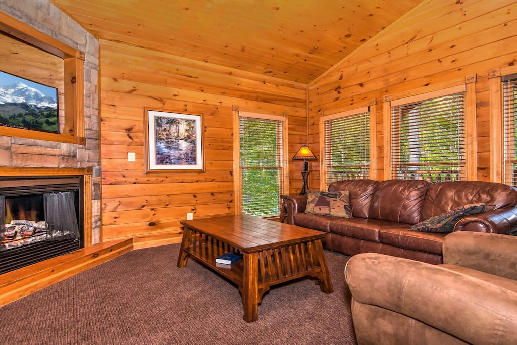 Gatlinburg Falls Resort 2 Story 1 Bedroom Cabin Cottages For Rent In Gatlinburg Tennessee