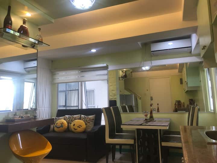 2BR Comfy Home at the heart of BGC