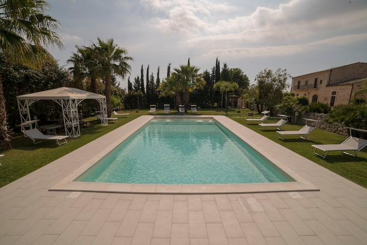 Le 5 Vie Country House with Swimming Pool - Room 1