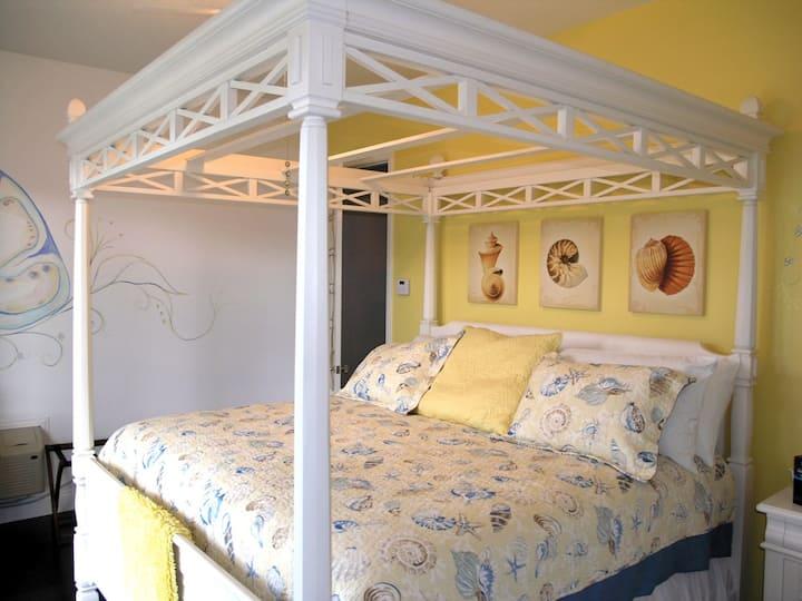 Seashell Room · Inn on the Avenue