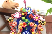 Mexican Handcraft to bring caracter to the place. Une déco qui vous raconte les traditions mexicaines.
