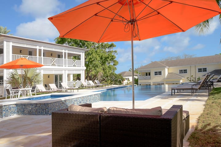 Fully Equipped 3 BR Villa w/ Easy Beach Access
